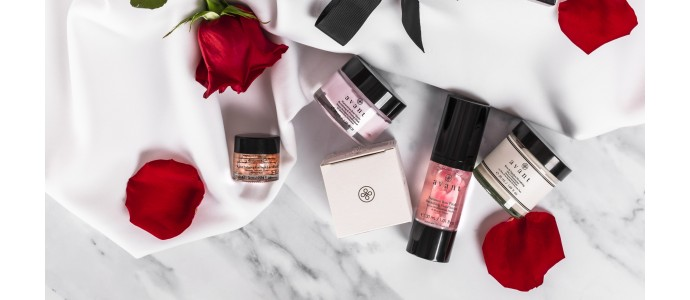 inside our rose garden collection gift box