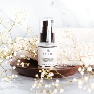 Our Flawless Energising & Oxygenating Caffeine 2-1 Face & Eye Serum is a lightweight serum that blankets the skin in pure oxygen, providing it with vivid rejuvenation ✨  Fortified with innovative ingredients, this formula protects against environmental pollution and free radical damage, leaving complexion radiant and invigorated ☕ . . . #avantproductsofthemonth #caffeineskincare #serum #newskincare #newlaunch #skincareroutine #skincarehaul #avantskincare #cleanbeauty #crueltyfreebeauty #luxuryskincare #greenbeauty #skincarereview #sustainableskincare