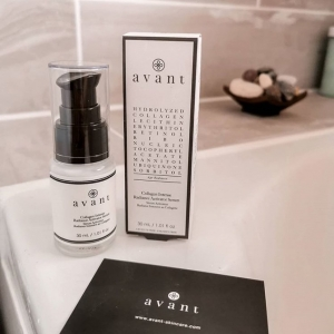 There's no better sight than a bath surrounded by Avant 🛁   Our Collagen Intense Radiance Activator Serum, shown here by @kateylea , is packed full of our signature ingredients to give you radiant and healthy looking skin ✨ . . . #serum #collagen #bathtime #avantskincare #cleanbeauty #crueltyfreebeauty #luxuryskincare #greenbeauty #skincarereview #sustainableskincare