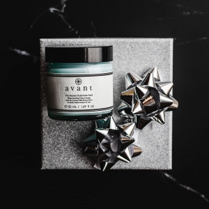🔔 Daily Deal alert 🔔   Our Pro-Intense Hyaluronic Acid Illuminating Day Cream is only £59 for ONE DAY ONLY 🌟   Our last daily deal product disappeared quickly so be sure to get it before it's loo late! ⏰  . . . #avantskincare #blackfriday #blackfridaydeals #blackfridayskincare #skincaredeals #blackfriday2020 #crueltyfree #crueltyfreeskincare #sustainableskincare #facecream #moisturiser