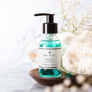 Our Blue Volcanic Stone Purifying & Antioxidising Cleansing Gel contains Cocoa 💧  This helps repair skin cells and aims to neutralise harmful free radicals 💪 . . . #avantproductsofthemonth #cleanser #cleansinggel #cleansing #skincareroutine #skincarehaul #avantskincare #cleanbeauty #crueltyfreebeauty #luxuryskincare #greenbeauty #skincarereview #sustainableskincare #skincareroutine