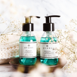 Double cleanse anyone?  We ALWAYS recommend a double cleanse before applying any moisturisers or serums to ensure that any dirt or makeup is long gone from your skin 💧 . . . #avantproductsofthemonth #cleanser #cleansinggel #cleansing #skincareroutine #skincarehaul #avantskincare #cleanbeauty #crueltyfreebeauty #luxuryskincare #greenbeauty #skincarereview #sustainableskincare #skincareroutine