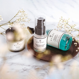 How are you coping in this lockdown?  Times are tough, try and remember to take time for yourself whenever you can, whether that's a full evening of pampering or a quick five minute meditation session 🌟 . . . #avantproductsofthemonth #lockdown #2021 #selfcare #skincareroutine #skincarehaul #avantskincare #cleanbeauty #crueltyfreebeauty #luxuryskincare #greenbeauty #skincarereview #sustainableskincare