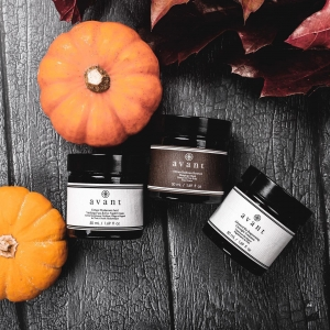 🎃 Things are starting to look a little spooky here at Avant 🎃   Halloween might feel different this year but we're still determined to bring the fun 👻   We'd love to see your Halloweeny Avant images, make sure to tag @avantskincare to be featured 🧙‍♀️  . . . #halloween #halloweenskincare #halloweenmakeup #halloweentutorial #trickortreat #skincare #seasonal #avantskincare #avantproductsofthemonth #crueltyfree #sustainableskincare